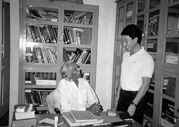 With B.K.S. Iyengar, Pune, India, 1986